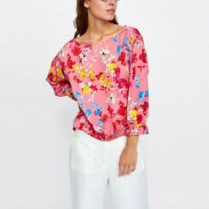 Zara floral print blouse with ruffle sleeve